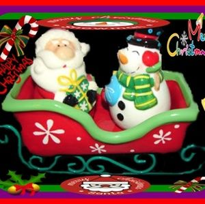 3PC salt and pepper shakers Christmas Snowman and